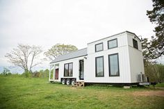 Large Windows - Roost 36 by Perch & Nest Two Bedroom Tiny House, Small Tiny House, Micro House, Tiny House Cabin, Tiny House Living, Tiny House Plans, Tiny House Design, Tiny House On Wheels, Tiny House Family