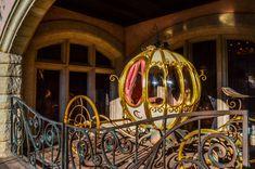 Disneyland Paris Auberge de Cendrillon Courtyard, Cinderella's Carriage