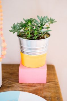 @31 Bits DIY // Dipped Decor! How to transform your old vases, platters, and wine bottles into colorful dipped decorations! #DIY #31Bits