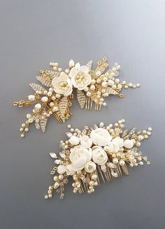 This beautiful handmade bridal hair comb made with pretty crystal elements, handcrafted flowers and ivory glass pearls. Complement most wedding hairstyles. It is the perfect bridal headpiece for that woman who wants to simply sparkle on her wedding day. ♥ Size approx 20 сm x 9 сm (8 x 3.5