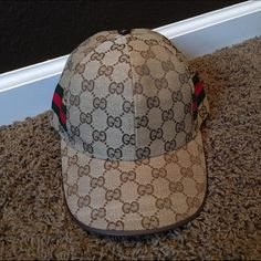 586b01151670c9 Gucci Hat Replica Gucci Hat! (Not real) Never worn. Super cute!