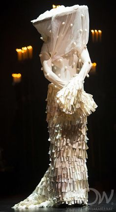 Entries are open for the internationally renowned design competition. Enter the Awards Competition and see your work of wearable art come to life on stage! Avangard Fashion, Vintage Fashion, Salome Oscar Wilde, World Of Wearable Art, Authentic Costumes, Wow World, The Giant Peach, Wedding Dressses, Crazy Outfits