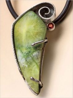 Wavelite Pendant - Pendants - Projects - Jewelry Making | InterweaveStore.com