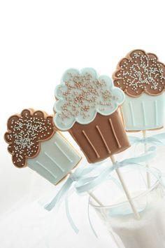 Blue cupcake cookie pops
