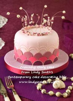 Crowning glory cake by Lindy Smith
