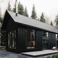 Awesome Black House Exterior Design Ideas You Definitely Like 31 Metal Building Homes, Metal Homes, Building A House, Black Building, Modern Barn House, Barn House Plans, Black House Exterior, Black Barn, Black Metal