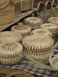 Sweetgrass Gullah Baskets  Pinned from PinTo for iPad  NOTE: Other sweetgrass baskets may be seen on my Sweetgrass Board