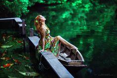 Margarita Kareva est une photographe russe dotée d'une imagination débordante. Ses clichés disposent d'une mise en scène travaillée et son travail en post-production est également impressionnant. Les couleurs sont elles aussi remarquables. Pour en voir plus visitez son portfolio et son 500px.
