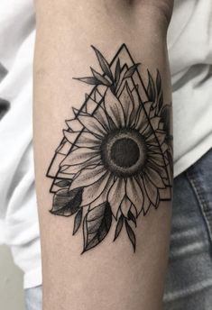 Celebrate the Beauty of Nature with these Inspirational Sunflower Tattoos - geometric sunflower tattoo © tattoo artist Bruna Bianculli 📌💕🌻💕🌻💕🌻💕📌 - Sunflower Tattoo Simple, Sunflower Tattoo Sleeve, Sunflower Tattoo Shoulder, Sunflower Tattoos, Sunflower Tattoo Design, Sunflower Mandala Tattoo, White Sunflower, Flower Sleeve, Leg Tattoos