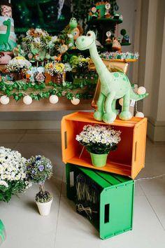 Jungle Theme Birthday, Dinosaur Birthday Party, Boy Birthday Parties, Birthday Party Decorations, Party Themes, Die Dinos Baby, Jurassic Park Party, Safari Decorations, The Good Dinosaur