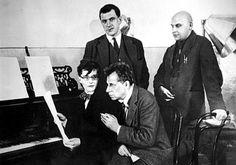 4 гения: Шостакович, Мейерхольд, Маяковский, Родченко http://www.adme.ru/tvorchestvo-fotografy/post-dejstvitelno-redkih-fotografij-602605/