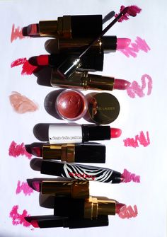 On ose le rose ! Blog beauté - pink lipstick, texture, flat lay