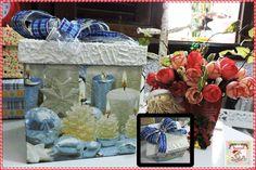Caixa para Panetone ou Presente  Caixa de MDF decorada com guardanapo, pátina e laçarote com fitas aramadas. Tamanho: 15 cm de altura e 15 cm de profundidade.  Disponibilidade: Pronta entrega