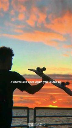 505 Arctic Monkeys, Letras Arctic Monkeys, Arctic Monkeys Lyrics, Music Video Song, Cool Music Videos, Music Lyrics, Music Songs, Lyrics Aesthetic, Aesthetic Movies