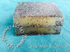 Jabón de Chía, Cítricos y Miel, excelente antioxidante, brinda luminosidad y lozanía, realiza una ligera exfoliación.