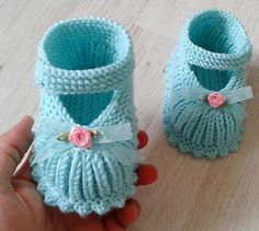 Baby Knitting Patterns Knitting For Kids Knitting Designs Crochet For Kids Crochet Baby Booties Layette Baby Wearing Baby Dress FethiyeOpis fotky nie je k dispozícii.Image gallery – Page 524599056592526217 – Artofit Knitted Baby Boots, Knit Baby Booties, Booties Crochet, Knit Baby Shoes, Baby Booties Knitting Pattern, Baby Knitting Patterns, Baby Patterns, Knitting For Kids, Crochet For Kids