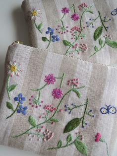刺繡のフラットポーチ(野の花)W 2x