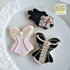 Bella Sucre: Corset cookies for a bridal shower- gorgeous! Fancy Cookies, Iced Cookies, Royal Icing Cookies, Cupcake Cookies, Sugar Cookies, Bachelorette Cookies, Biscuits, Girl Cupcakes, Dessert Buffet