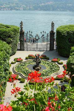 'Sunday Morning' Villa Carlotta Lake Como, Italy by Ionut Lordache on Flickr.