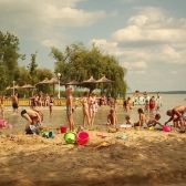 Diási játékstrand a Balatonon - Gyenesdiás Dolores Park, Hungary