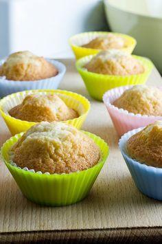Besin protein alerjileri, son yıllarda oldukça yaygın görülmektedir.Sütsüz veya yumurtasız kek, bu gıdaları yiyemeyen çocuklar için iyi bir alternatif .
