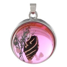 PENDANTS - RESIN - ROUND - TRANSPARENT - PINK - GENUINE SHELL - 29x22mm. AVAILABLE AT:http://www.bidorbuy.co.za/item/232382827/PENDANTS_RESIN_ROUND_TRANSPARENT_PINK_GENUINE_SHELL_29x22mm.html