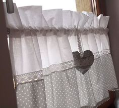 Curtains balls and lace - Cortinas bolas y encajes – Curtains balls and lace – - Cafe Curtains, Diy Curtains, Kitchen Curtains, Cortinas Country, Rideaux Shabby Chic, Country Style Curtains, White Lounge, Diy Home Decor, Room Decor