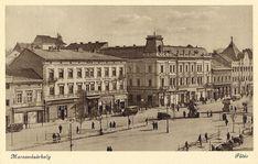 Marosvásárhely:főtér a Transilvánia szállodával.1944 Louvre, Building, Travel, Hungary, Viajes, Buildings, Destinations, Traveling, Trips