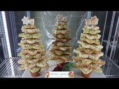 Alberello natalizio con biscotti decorati Waffles, Breakfast, Food, Youtube, Morning Coffee, Essen, Waffle, Meals, Yemek