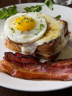 French Toast #CroqueMadame with tasso ham, gruyere & fried egg
