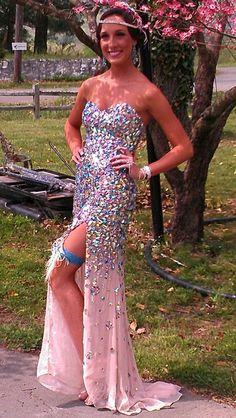 Great Gatsby prom. HAte the garter but I loooove the glitter