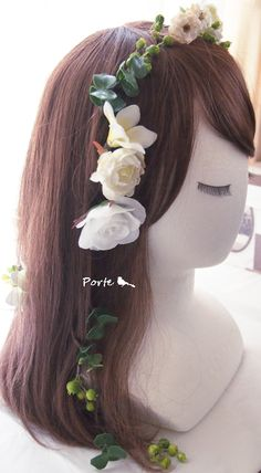プルメリアとミニバラなどの草花のヘアーパーツ ウェディングブーケ・花冠・通販専門店「ぽると」