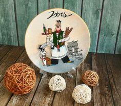 Купить Тарелка настенная Официант с Вином ручная роспись - комбинированный, Настенная тарелка