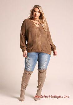 Sweater top debshops women's plus size jeans, plus size sweaters, swea Curvy Girl Outfits, Outfits Casual, Mode Outfits, Fashion Outfits, Fashion Tips, Fashion Trends, Plus Size Winter Outfits, Plus Size Fall Outfit, Plus Size Outfits