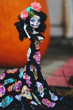 Repaint the Interior of Your Home Custom Monster High Dolls, Monster Dolls, Monster High Repaint, Custom Dolls, Ooak Dolls, Art Dolls, Skelita Calavera, Bjd, Living Dead Dolls