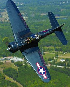 Warbirds: The Douglas SBD Dauntless, noted scout and dive bomber, a U.S. Navy stalwart in the Pacific Theater in WWII. | par Experimental Aircraft Association (EAA)