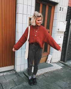 35 Vintage Chic Women Outfits Fall Street Style The post 35 Vintage Chic Women Outfits Fall Street Style & fashion appeared first on Fall outfits . Mode Outfits, Fall Outfits, Fashion Outfits, Grunge Winter Outfits, 90s Style Outfits, Grunge Fashion Winter, 80s Style, Formal Outfits, Dress Outfits