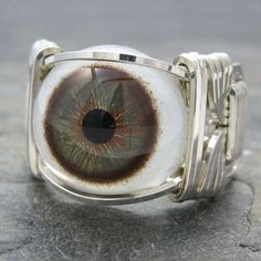 I'm fascinated by eyes.....part of my Halloween obsession!