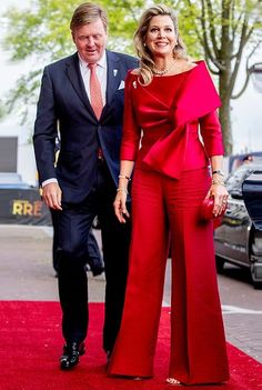 5 May 2019 - King Willem-Alexander and Queen Maxima attend the Liberation Day concert in Amsterdam Royal Dresses, Gala Dresses, Couture Dresses, Evening Dresses, Trendy Dresses, Elegant Dresses, Beautiful Dresses, Mode Outfits, Fashion Outfits