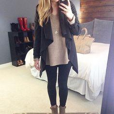 Aujourd'hui notre coup de coeur #lookdujour vient de @paigeshealyn avec son duo parfait de tricot  veste drapée!  Tu veux toi aussi te retrouver en vedette sur l'accueil du site? Utilise le tag @lookdujour_ca avec le #lookdujour   #lookdujour #ldj #ootd #knits #jacket #trendy #cute #modemtl #style #pretty #outfitideas #cestbeau #inspiration #onaime #regram  @paigeshealyn