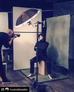Behind the scenes by @ruvenafanador : #BehindTheScenes with the inspiring @MrRPMurphy @HollywoodReporter @JenLaskiPhotoVideo @MJonF @SydneySollod @SuperCube @SarahLaird_GoodCo @Line204 #RyanMurphy