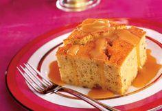Gâteau à l'érable et aux pacanes, sauce crémeuse à l'érable
