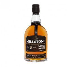 MILLSTONE PEATED 5 AÑOS ha sido envejecido en pequeños barriles nuevos de roble americano. Este whisky contiene cebada malteada ahumada por la turba, 22 ppm. El uso de barriles nuevos y el hecho de que se almacenan en un depósito caliente y seco aseguran una maduración del whisky más temprana.