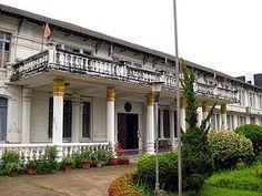 Tempat wisata terbaik Laos selanjutnya adalah Museum Lao. Museum Lao terletak di kota Vientiane, Laos. Didirikan sebagai museum nasional yang menyoroti sejarah revolusi pada tahun 1970-an. Museum ini memakai bangunan bekas bangunan kolonial Perancis. Pada tahun 2007, Amerika Serikat menyumbangkan dana untuk membantu mengembangkan museum. Awalnya bangunan ini dibangun pada tahun 1925 sebagai tempat tinggal gubernur Perancis. Sekarang digunakan sebagai museum yang menyajikan sejarah dari…