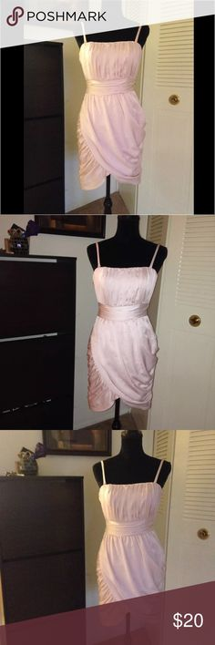 H&M light pink dress w/ loose/ layered fabric Sz 6 This is a pre-owned dress. But it's in a very good condition. Beautiful baby pink color short dress with loose layered fabric style. H&M brand. Size 6. H&M Dresses Mini