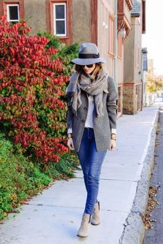 Winter Outfit With Fedora Hat, Why Not? Try These Looks!  http://www.ferbena.com/winter-outfit-with-fedora-hat-why-not-try-these-looks.html