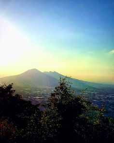 Remake .: Ves :. #vulcan #vesuvio #naples #naples_it #prisma #vscocam #light #awesome #campania #instagood #picture #nature #sky #mountain #awesome_hdr #blue #brush #picture #instagood #instagram #followgram #followme #love #prisma - July 28 2017 at 01:44PM