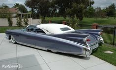 This car is a tribute to elvis and his love for the american cadillac.it was custom made by john d agostino a california custom car designer .the car (. Cadillac Ats, Cadillac Eldorado, General Motors, Retro Cars, Vintage Cars, Antique Cars, Retro Vintage, Elvis Presley, Automobile
