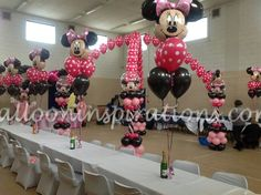 Balloon/Minnie mouse centerpieces can do with zebra print balloons alternating