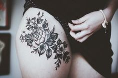 new-rose-thigh-tattoo-for-girls
